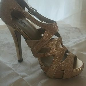 Gold Charlotte russe
